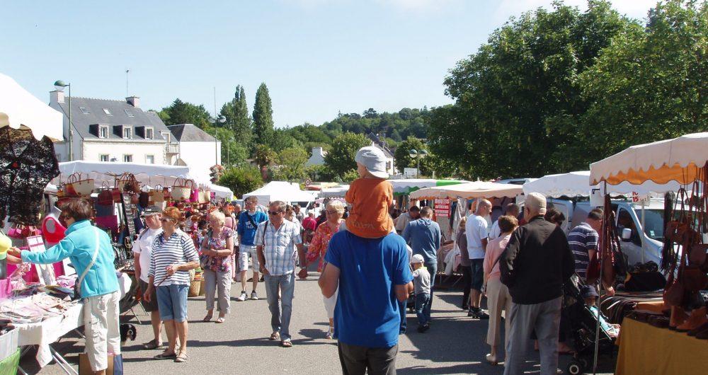 Marché du dimanche à La Forêt-Fouesnant