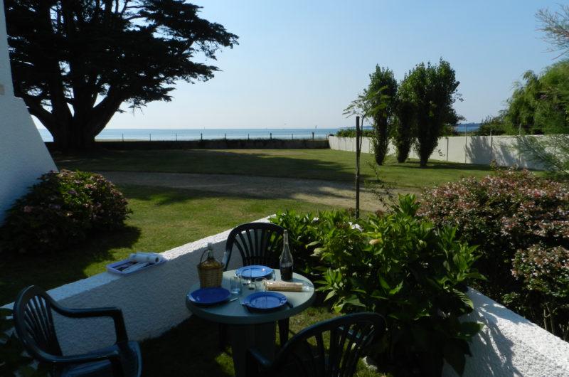 Jardin, terrasse accès à la plage