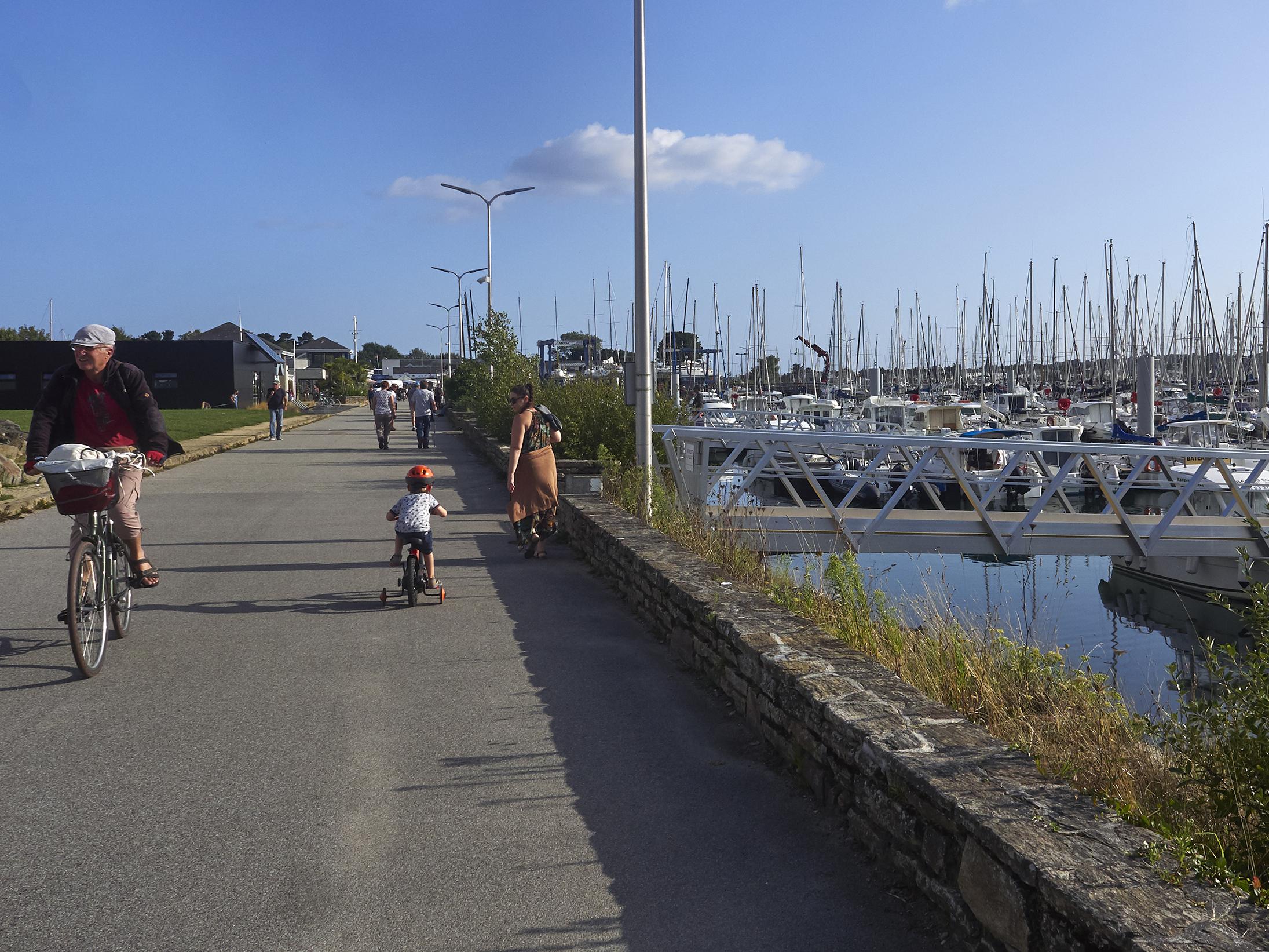 Promenade à Port La Forêt